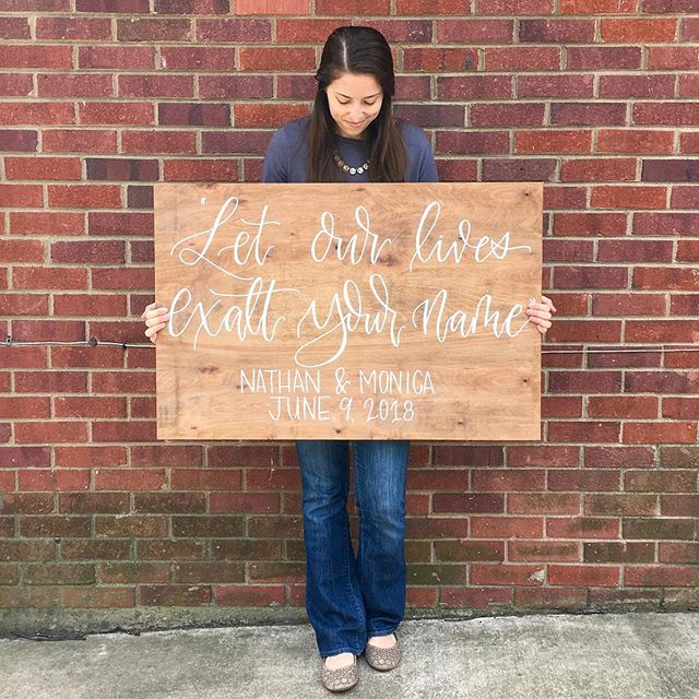 I've had so much fun creating wood signs this past year, but I'd like to let everyone know I'll be taking a little break from them! Wood signs will always be my favorite- but they're a lot of work, and in order to keep the passion I have for this little small biz of mine going, taking a break from them is the best decision for me right now. I WILL STILL BE taking all other orders, and if you'd like to provide the wood prepped and ready to be lettered on I am happy to take that on! Thank you to ALL my wonderful clients for keeping me SO busy with wood signs this past year- you guys are the real MVPs 😍🤩 . . . #woodsigns #woodworking #welcomesign #weddingdecor #weddinginspo #calligraphy #rusticdecor #virginiacalligrapher #farmhousedecor