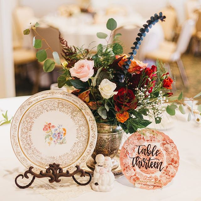 #tbt to beautiful blooms and my best friends wedding 😍 . . . #weddingcalligraphy #tablenumbers #weddingcalligrapher #virginiacalligrapher #moderncalligraphy