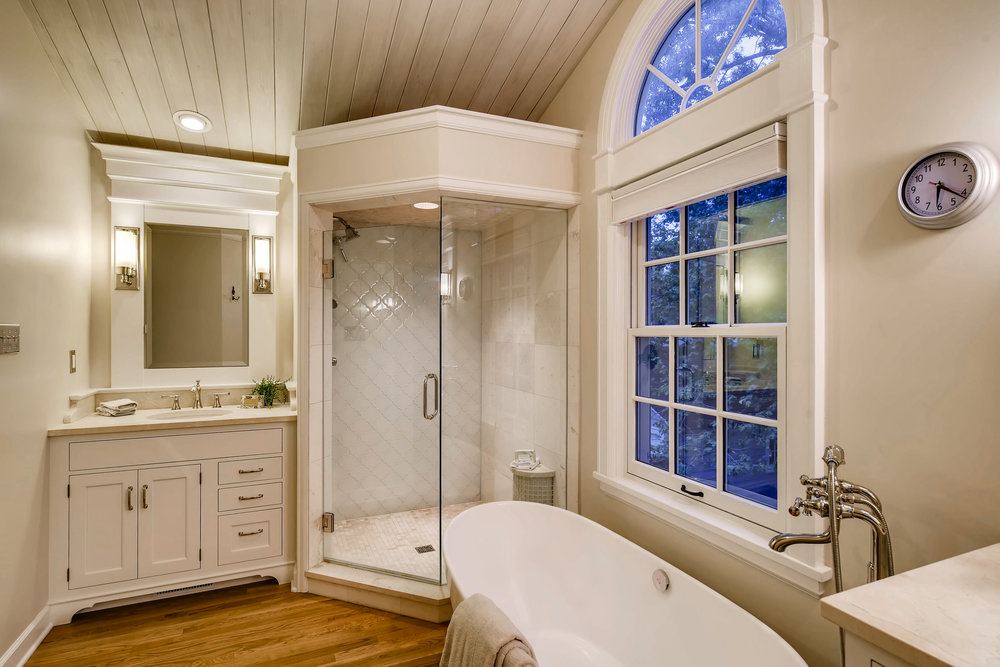 211 W Del Norte Colorado-print-018-12-2nd Floor Master Bathroom-4200x2800-300dpi.jpg
