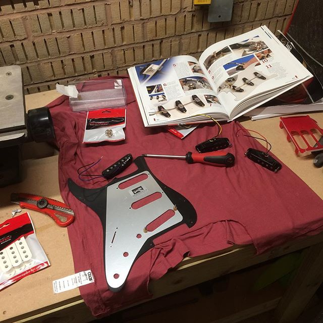 When in doubt, consult the Haynes! #wiredogguitars #boutiqueguitar #madebypeoplenotrobots #luthier #luthery #guitar #guitarporn #guitarbuilding #haynesmanual