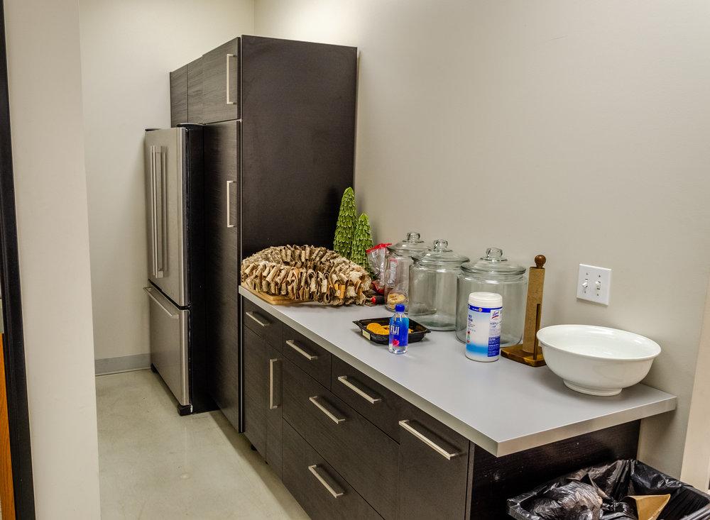 Sleek Kitchen Layout