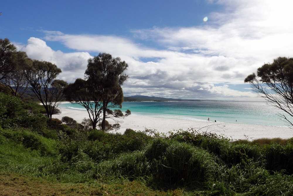 White beaches of Tasmania at Bay of Fires
