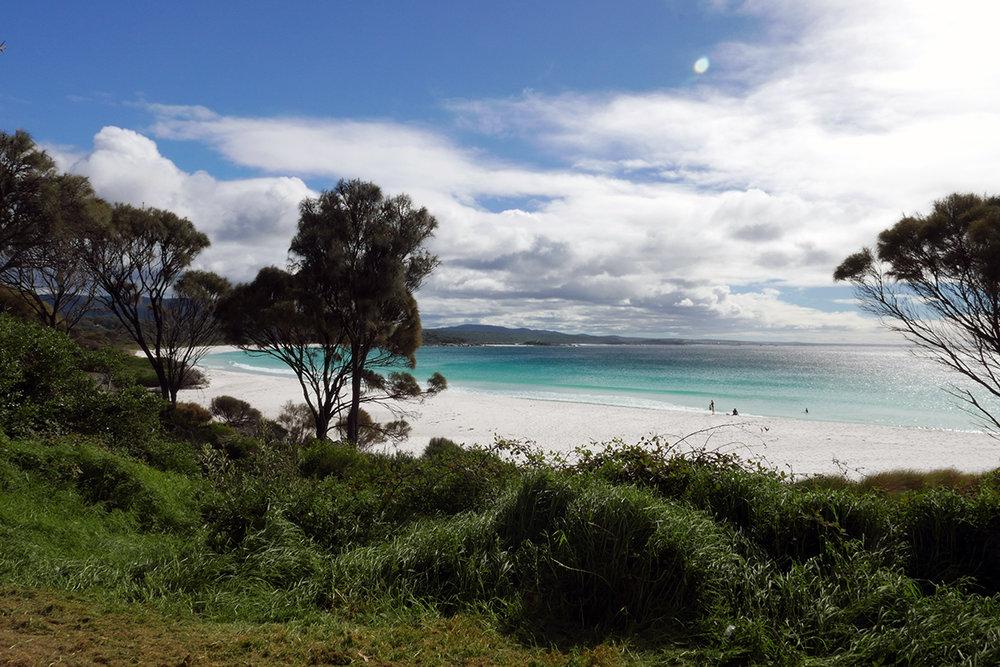 White beaches of Tasmania at Bay of Fires