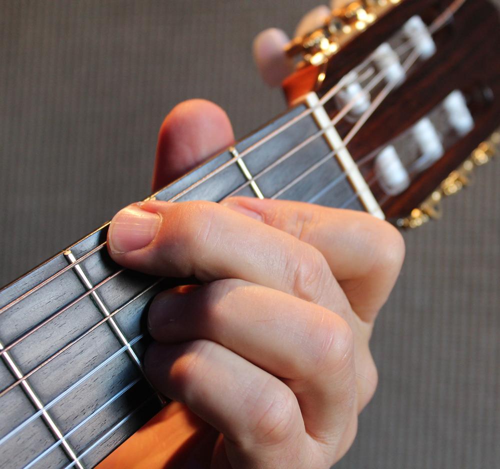 Paul Montesano Music Guitar.png