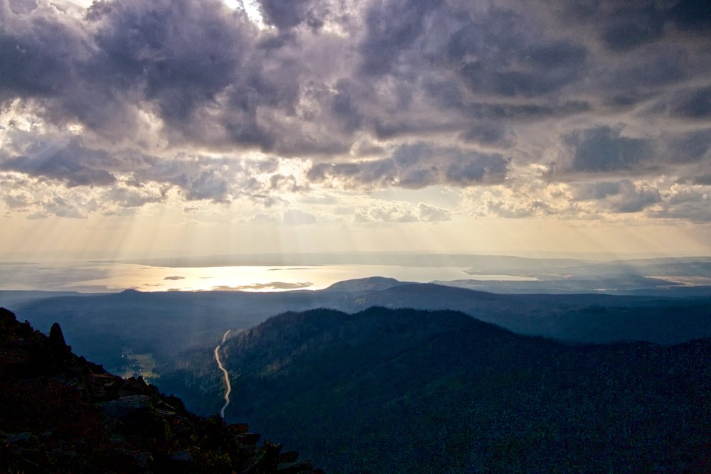 Yellowstone Lake from Avalanche Peak - ©️ Nicole Atkins
