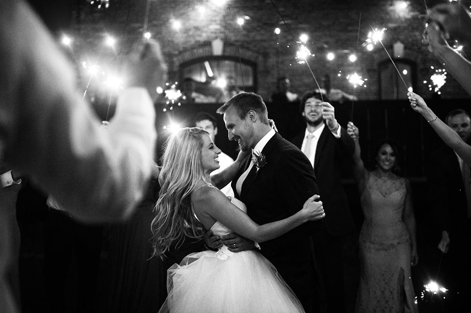 let's makesome magic! - happily accepting 2019 & 2020 weddingscouples most commonly invest $3,900 working with us<— we can guarantee our smiles will be just as big on your wedding day as they were on ours :)
