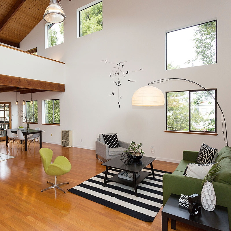 Open Plan - V oluminous space with the warmth of wood ceiling and floors.