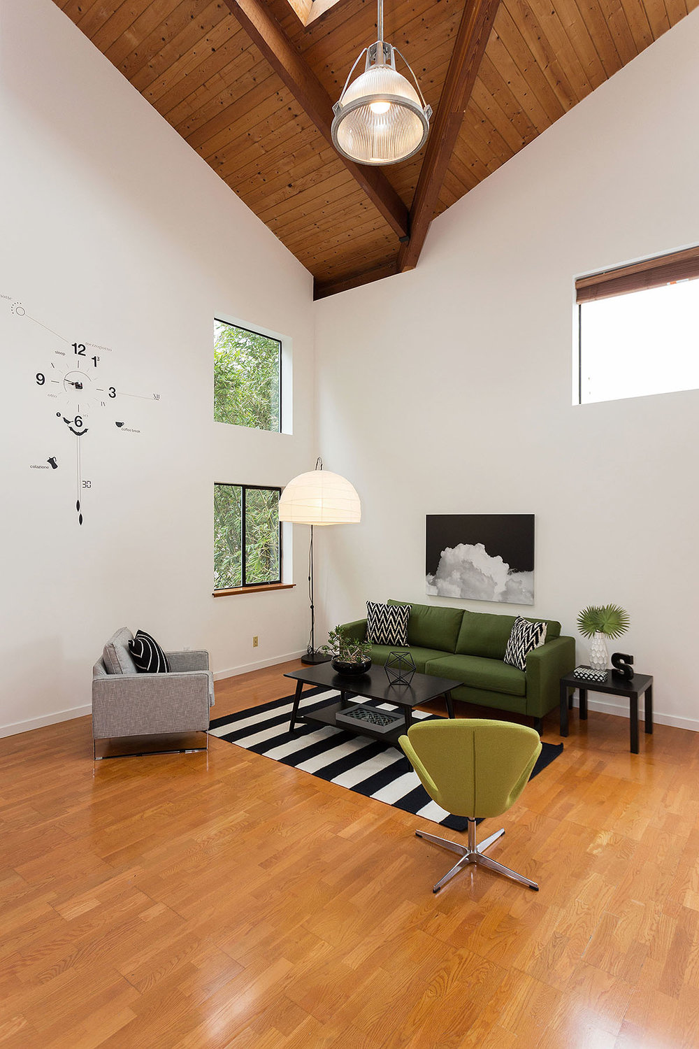 Living Area - The warmth of wood from bottom to top.