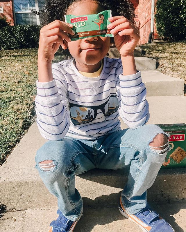 So spring break is officially over. And my little men are back at school. #Ad I  MISS THEM SO MUCH. It's funny the whole time they are out I'm wondering when will they go back 🤣😩 . . . . Back to school means back to packing lunches. And boy am I glad my little guys love @larabar. Even better I can grab them at my local @krogerco. I love that they are simple with just 9 ingredients  LÄRABAR Kid bars come in four delicious flavors that the kiddos love. Plus I love that my boys have a real-food treat during the day at school! . . . . #krogerlarabar #kidlunch #lunchtime #letthembelittle #petitjoys #springbreak #sponsored  #Motherhood #thehappynow #flashesofdelight  #SchoolAge #DallasDays #DallasMoms #MckinneyMoms #DallasMomBlog #GetOutside #postthepeople #Twins #boymom  #DallasLove #Family  #abmlifeiscolorful #abmlifeissweet #abmlifeisbeautiful #thatsdarling #thehappynow #dfwinfluencer #dallasblogger #theimanproject