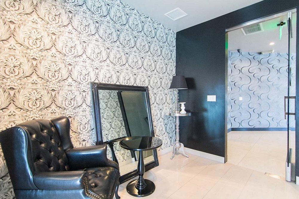 VTG_womens-restroom-1st-floor_5.jpg