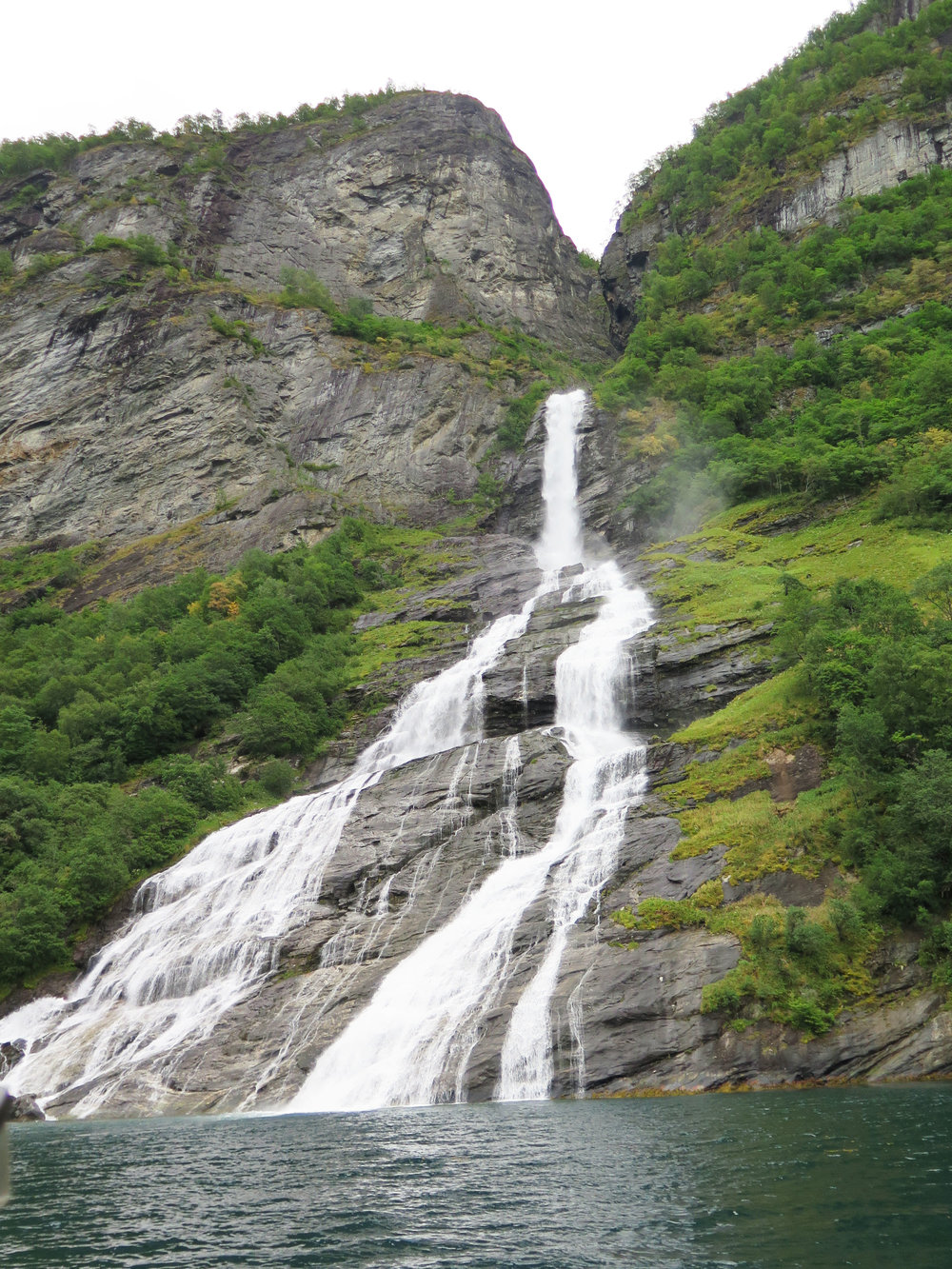 Geirnager Waterfall
