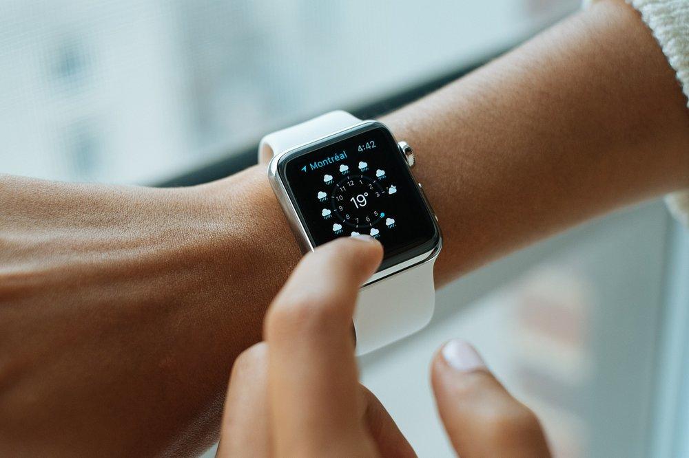 smart-watch-821557_1920.jpg