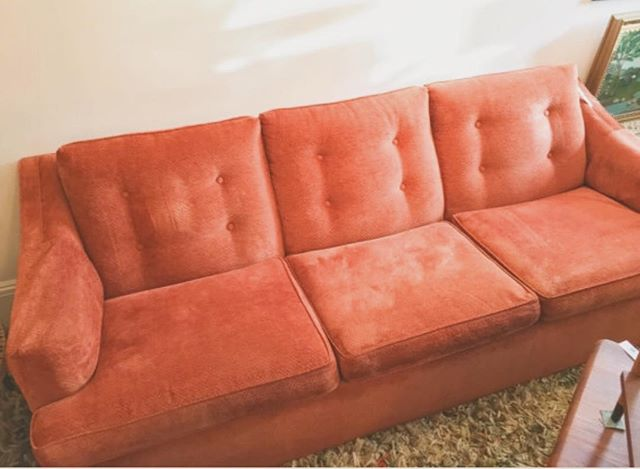 Welcome home Beautiful. 🍑😍💅🌈🌴🔮💎✌🏻 #midcentury #70s #wildoleander #sold #flamingo #orange #obsessed #bushwick  #vintage