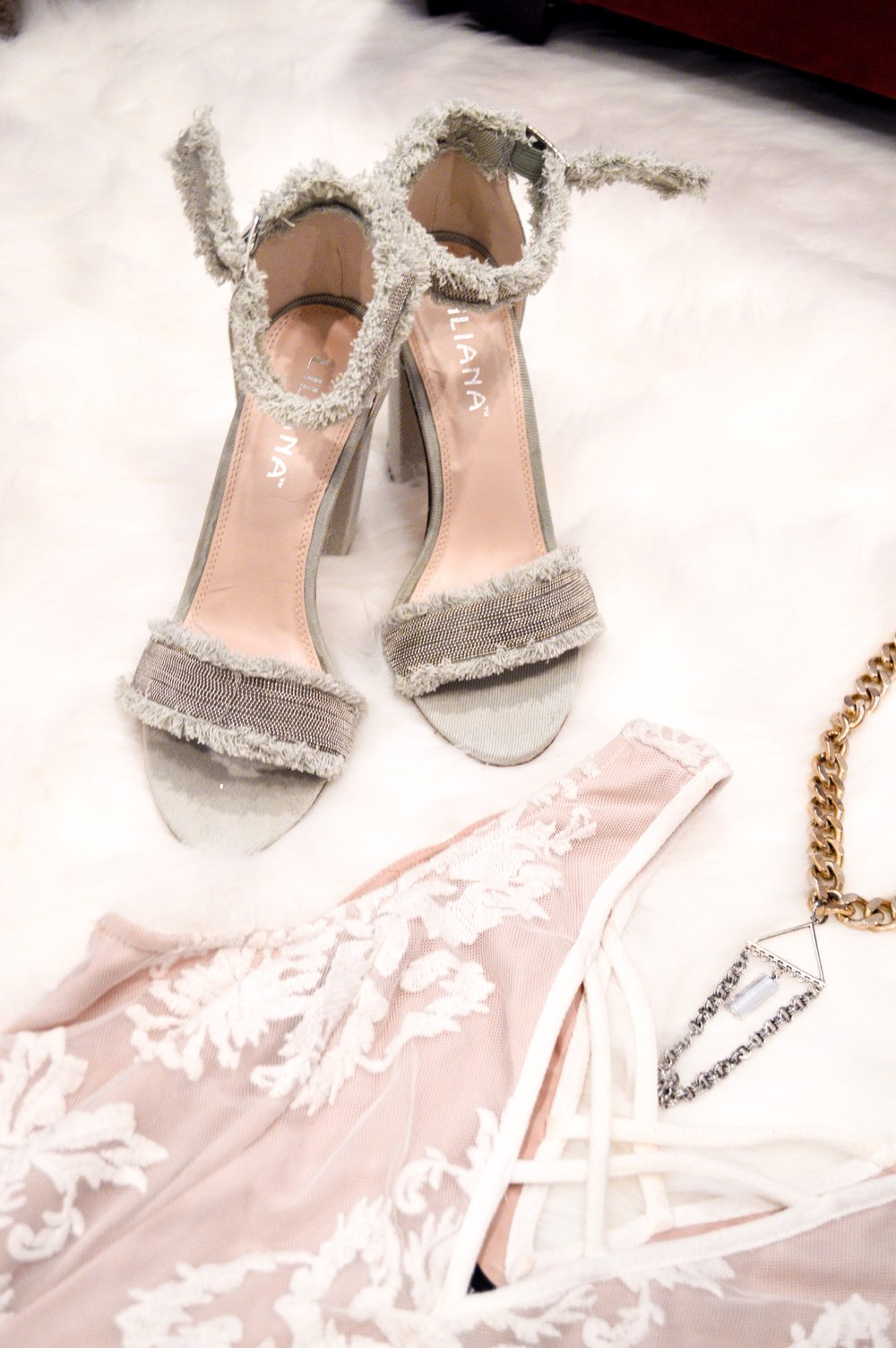 Shoes: similar  here &  here !