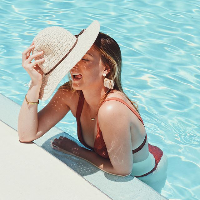☀️ have yourself a pool day & W I N some @shopbauble_ jewels, too!! For this G I V E A W A Y:  1) like this picture and follow @shopbauble_ & @mkatkline 2) tag your pool bestie (each new person you tag is more entries for you to win!) Winner will be announced this Thursday, June 21st! ☀️