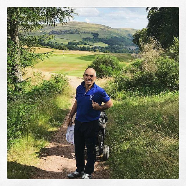 Polo Eagles chaser qui se ballade mais où ? - #golf #golfer #golfpro #golf3 #golfing #golf1 #golfislife #womenwithdrive #golfbabes #taylormadegolf #iphone #legsout #golfchannel #golfday #wwd #golfers #golfstagram #golfporn #golf7 #golfcart #babesofinstagram  #porsche #hissalot #repost #golfboss #golf #golfaddict #swing#cover#⛳️