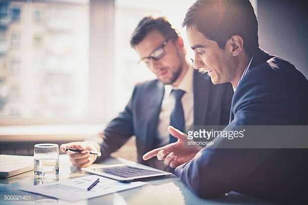 Møtebooking - La oss booke møter til selgerne dine! Da kan dere gjøre hva dere er best til: presentere produktet ansikt til ansikt med den potensielle kunden. Vi booker det antall møter du bestiller av oss til enhver tid. Her finnes det knapt noen begrensinger i antall. Er du en landsdekkende leverandør, kan vi gjerne booke møter for selgerne dine over hele landet!