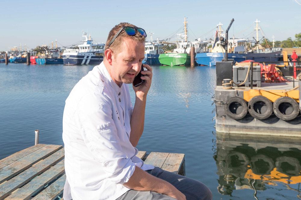JvdH Katse Veer eten op ponton -2.jpg