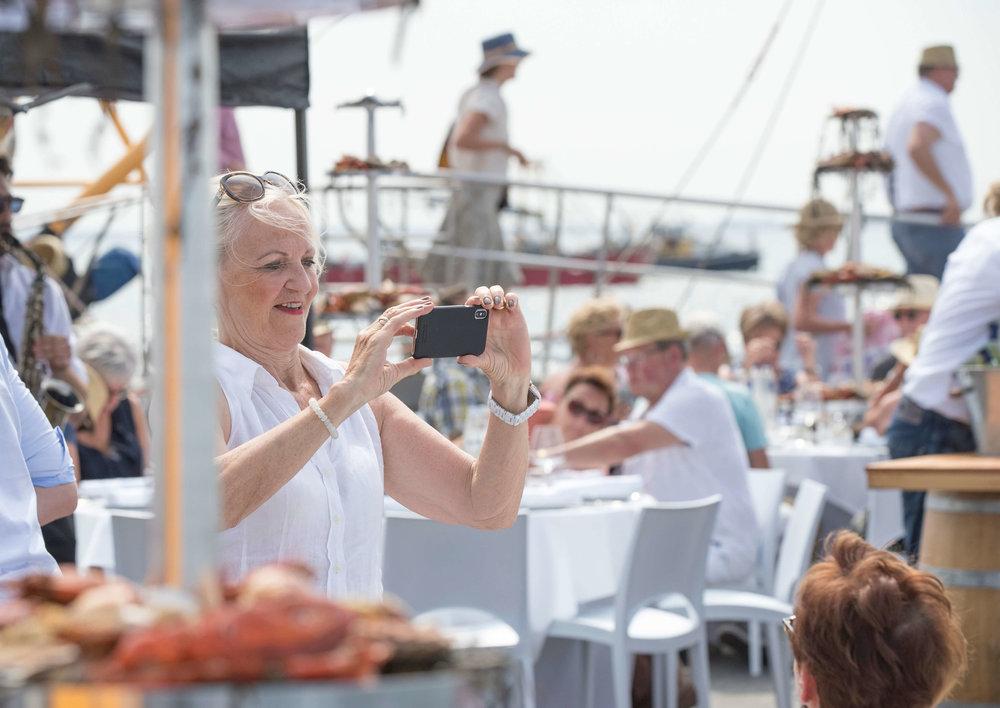 JvdH Katse Veer eten op ponton -71.jpg