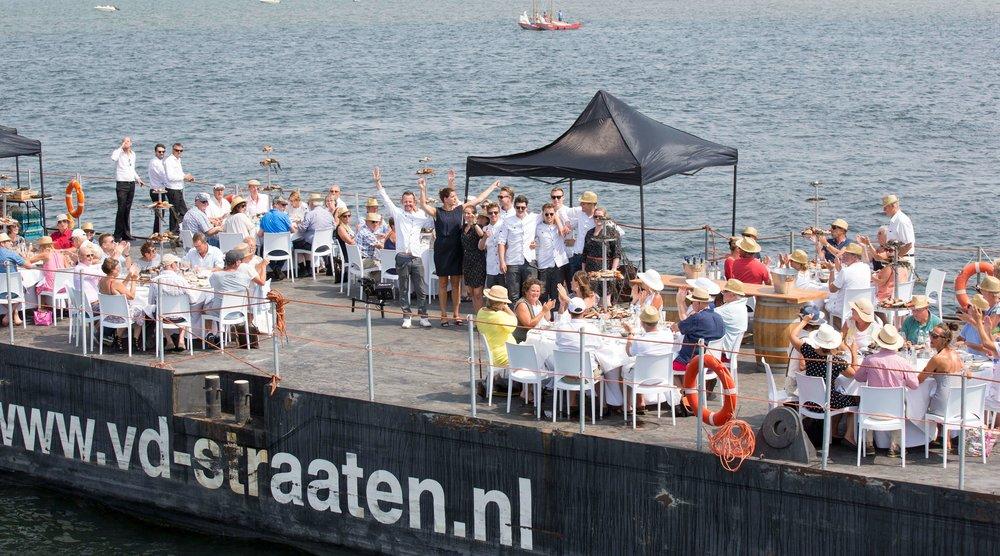 JvdH Katse Veer eten op ponton -95.jpg