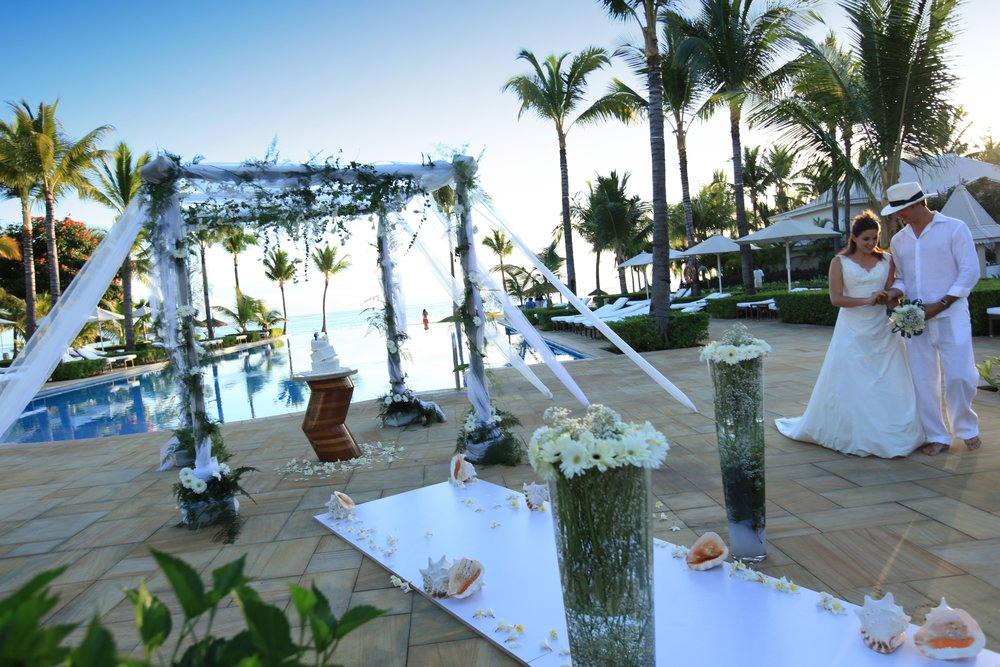Wedding-setup-South-Pool-Sugar-Beach_2100x1400_300_RGB.jpg