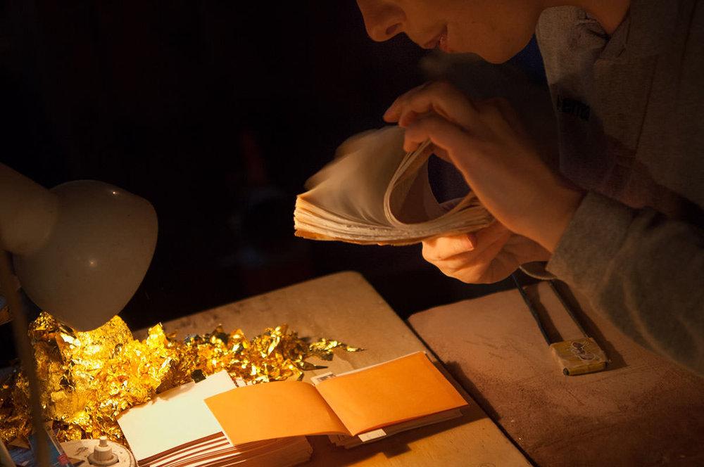 Les-livrets-avec-les-feuilles-d'or.