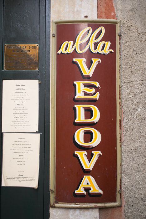 The signboard of the trattoria Alla Vedova in the Cannaregio district