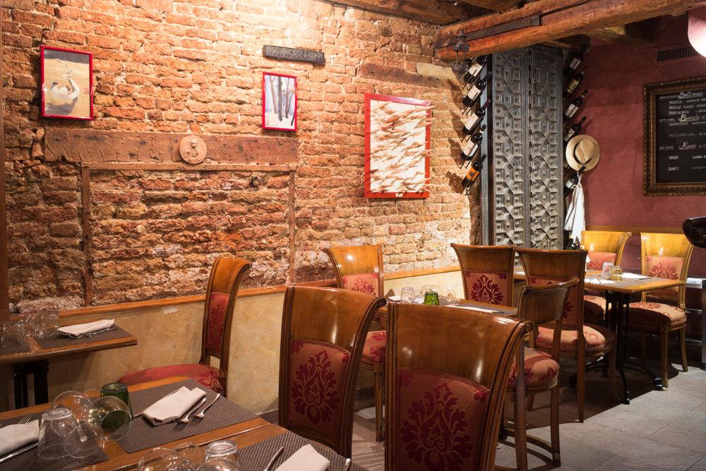 Interno del ristorante Luna Sentada in Castello
