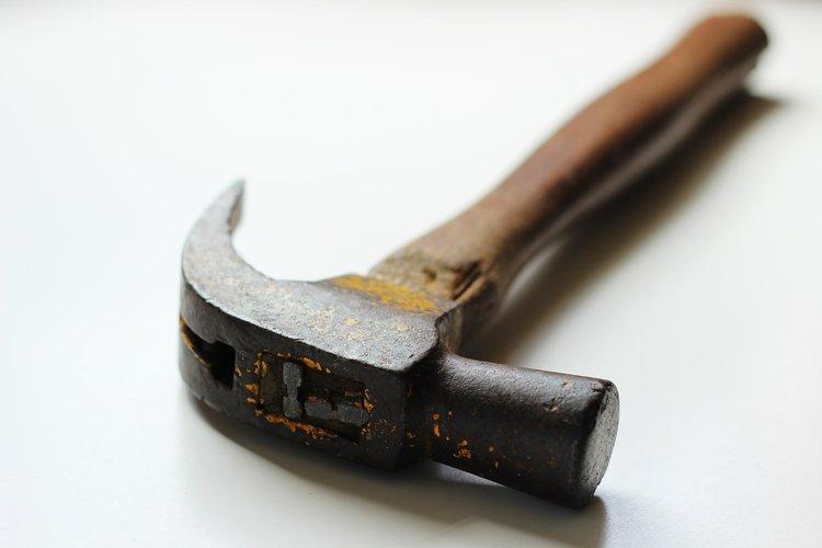 hammer-451987_1920.jpg