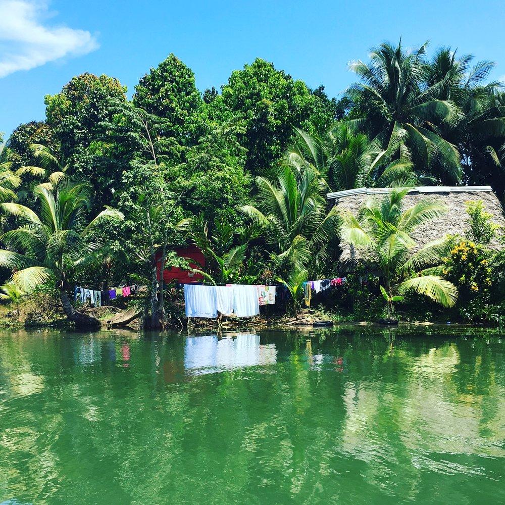 Local Life on Rio Dulce