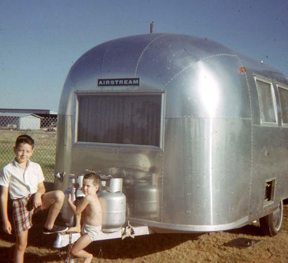 little-Airstream-trailer1.jpg
