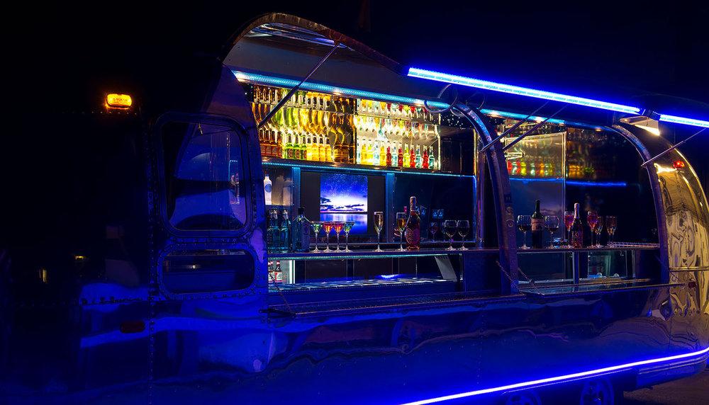 Apollo-70-cocktail-bar-on-wheels-4.jpg