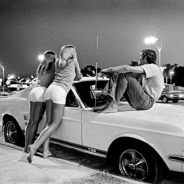 70' Santa Monica, Ca. Saturday's Night mood for young American dreamer #americandreamer #saturdaynight #mood #santamonica #vintage #fordmustang #fastback #dreamer #dreamer_paris