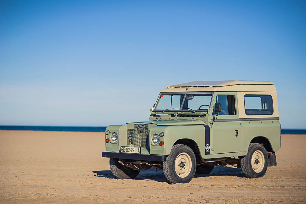 land_rover_88_left_front_00.jpg