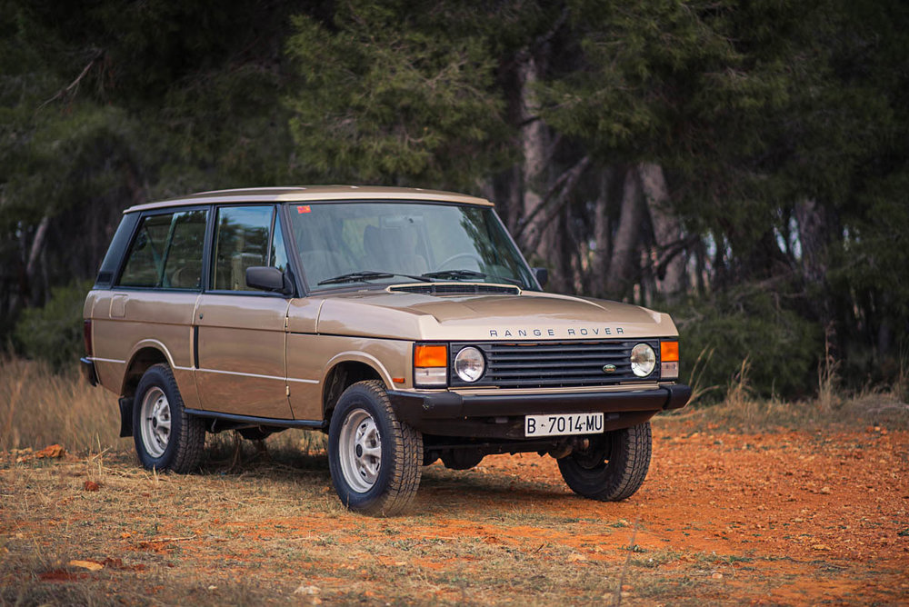 rangerover_classic_right_front_2.jpg
