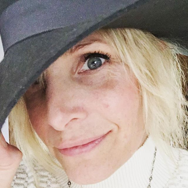 Have you noticed when you wear a hat, you need a hat attitude? A HATTITUDE!! Omg I just made that up. 😂#hattitude™️©️ Like outta my way everyone I AM WEARING A HAT! (Also—you cannot see my roots or dirty hair!) 🎩🎩🎩🎩🎩 #isitjustme #hat #tuesday #badhairgoodattitude - - - 🎩🎩🎩🎩🎩 👒👒👒👒👒 🧢🧢🧢🧢🧢 #imwearingahat #seriously #lol #sunshine #love #happiness #itsthelittlethings #yogalife #bohostyle #bohochic #sorta #whatmomswear #yogalife #life #momlife #cheerup #yogaeverywhere #instagood #smile #selfie #again