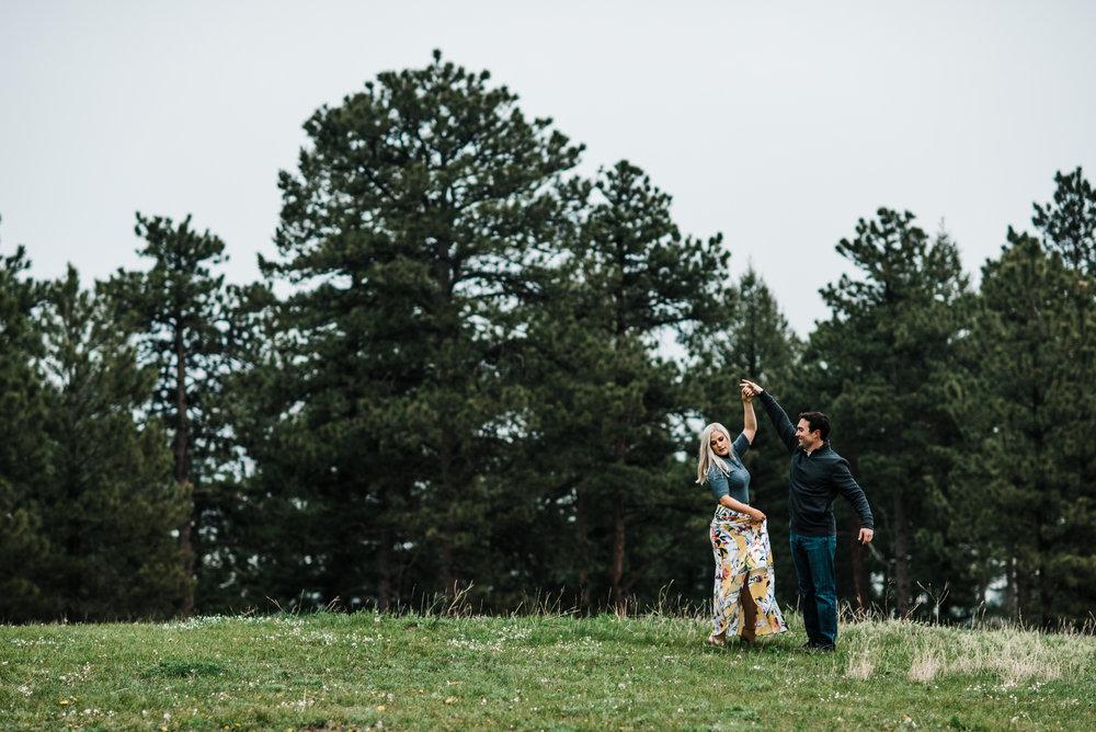 Colorado-Adventure-Elopement-Engaegment-Wedding-Photographer-Mountains-18.jpg