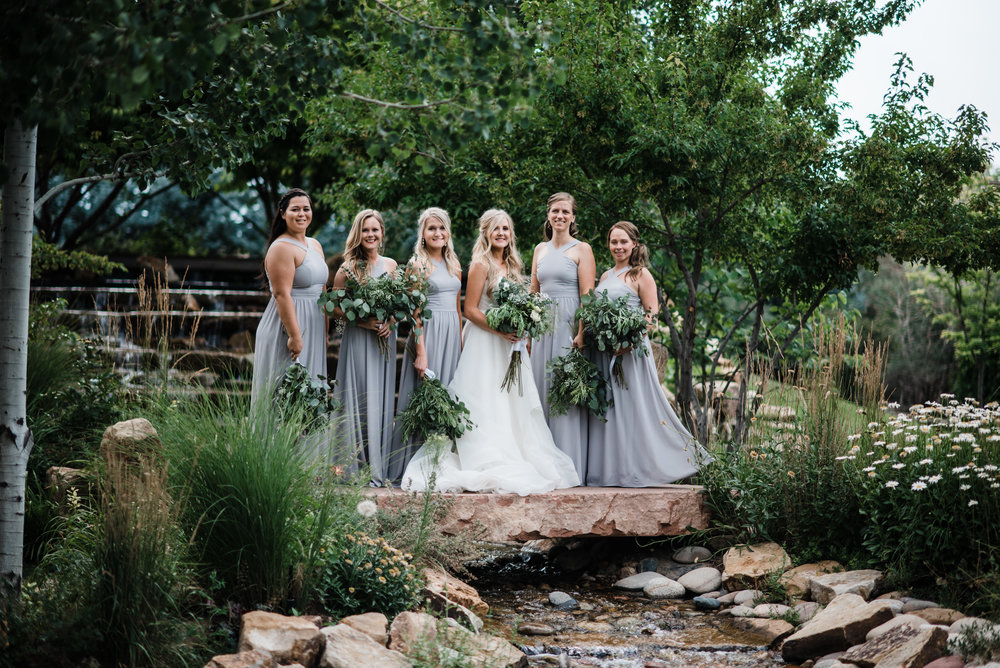 Colorado mountain wedding photographer at Brookeside Gardens wedding party pictures