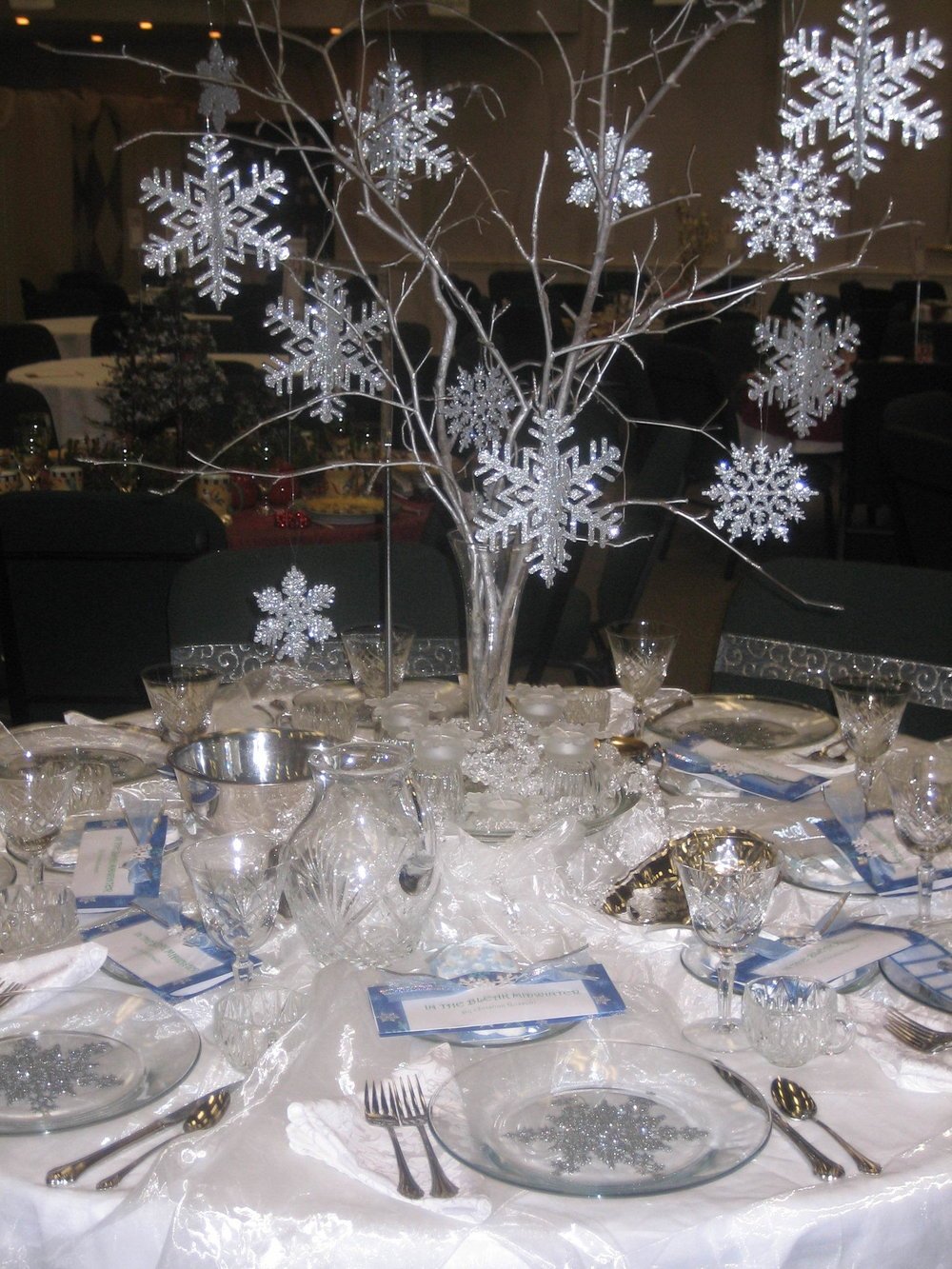 "The theme was the Christmas Carol ""In The Bleak Mid Winter"". The motif was snowflakes."