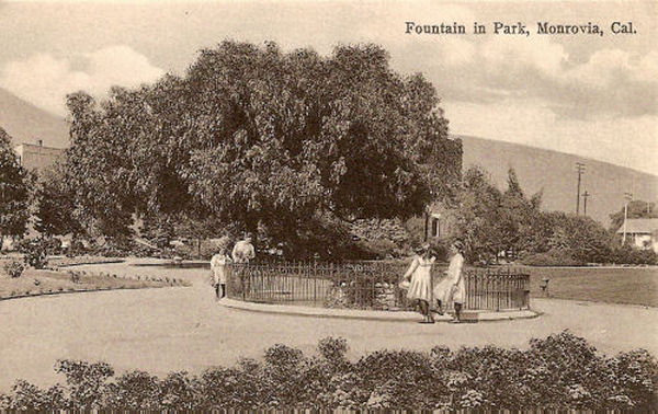 1920_m_park_foun.jpg