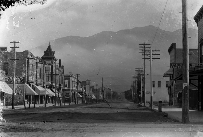 Myrtle-Ave-At-Olive-Looking-North-1890s.jpg