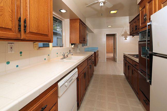 3725_landfair_kitchen2.jpg