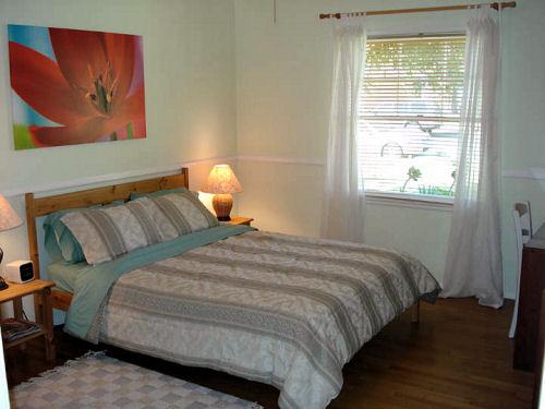 1810_bedroom.jpg