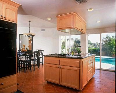kinclair_kitchen.jpg