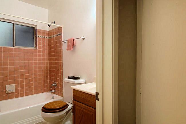 624_anita_bathroom.jpg