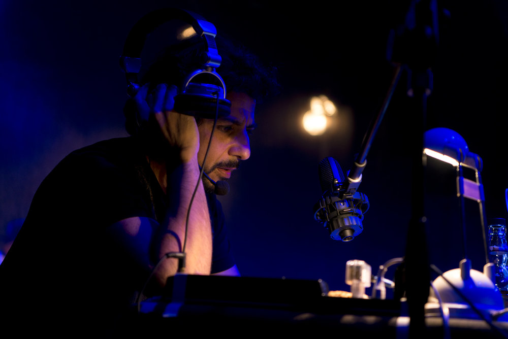 NightRadio_A1_GER1350.jpg