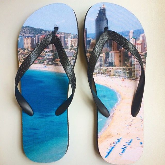 Isn't it supposed to be the other way around? 🏖#benidorm . . . . . #beach #holiday #flipflops #vacation #printondemand #customprinting #creative #shoes #doityourself #shopify