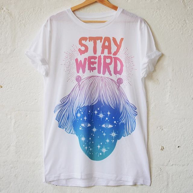 Out-of-this-world T-shirt printing 👽👽👽 . . . . . . #oneofus #tshirtdesign #ombre #rainbow #celestial #festivalfashion #style #alieninvasion #customprinting #printisnotdead #tshirtprinting #illustration #creative