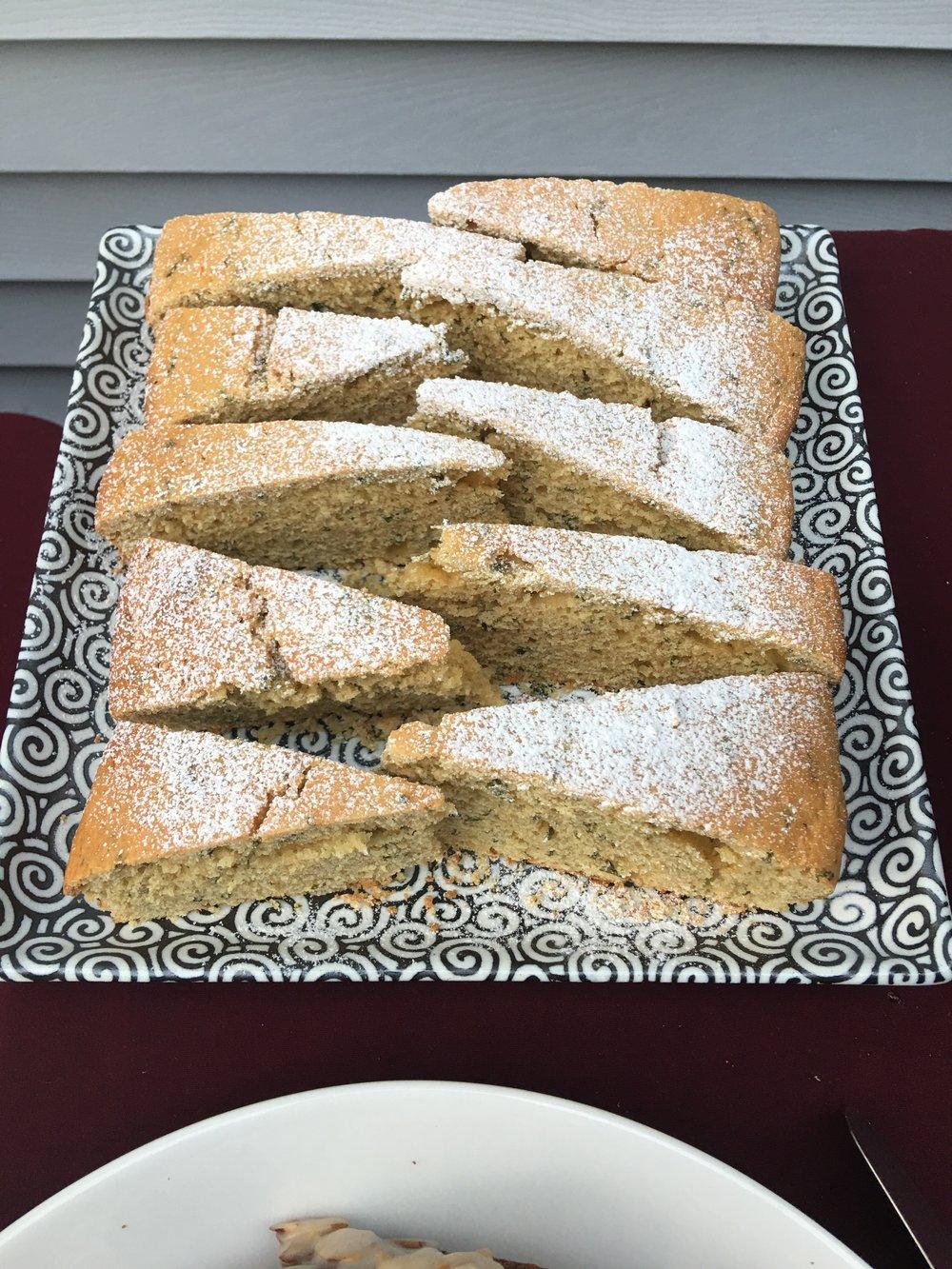Lemonbalm Cake
