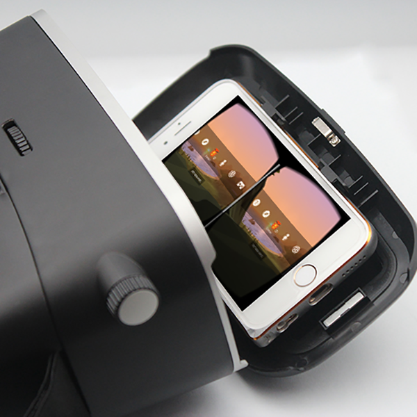 An iPhone 5 in the VR KIX Headset Expandable Phone tray